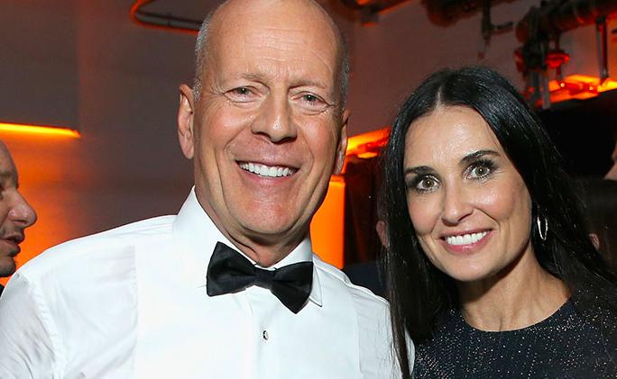Demi Moore punzecchia l'ex marito Bruce Willis a 'Comedy Central Roast'